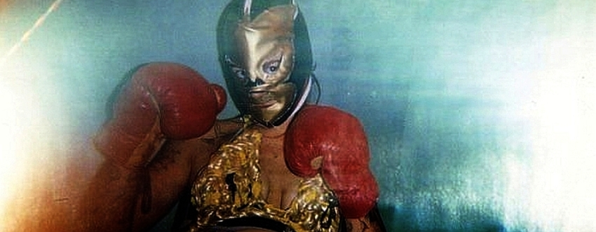 Lucha Libre-Marijs with the golden mask